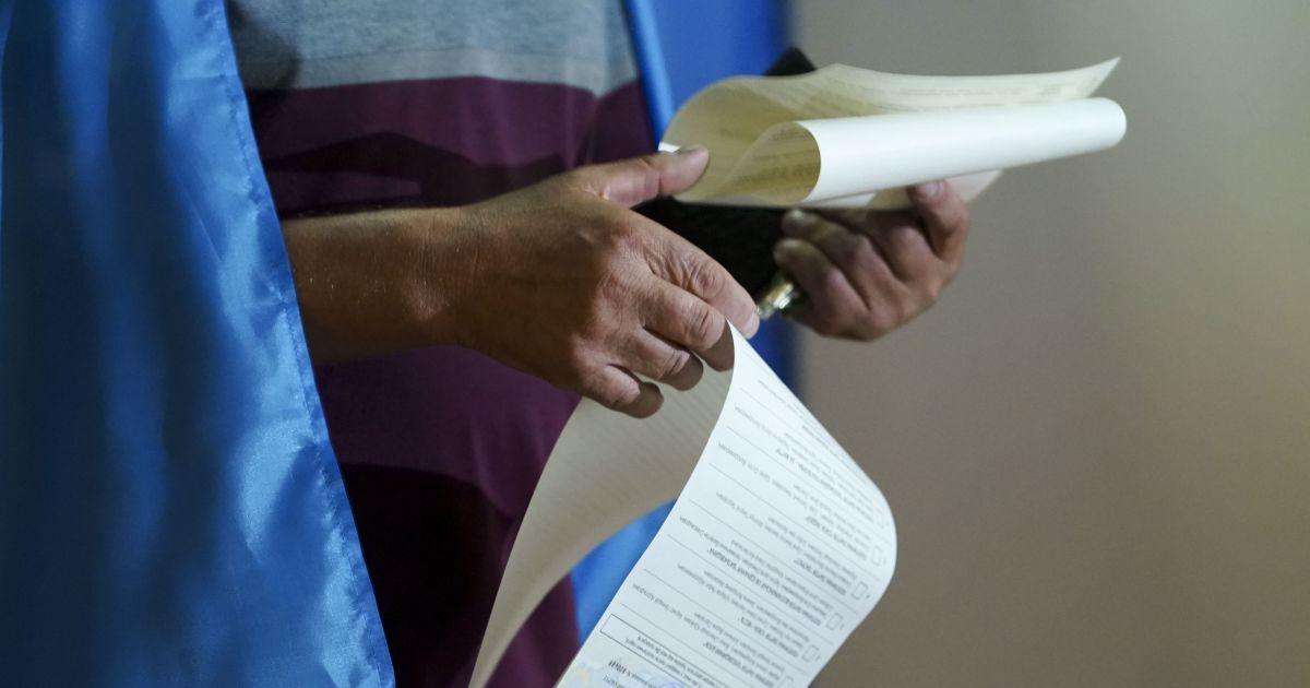 Местные выборы-2020: как подготовиться к походу на участок и при каком условии голосование могут отменить