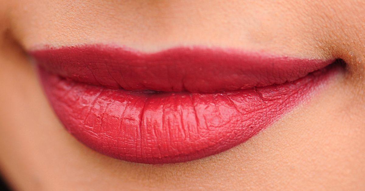 Превратились в вареники: акционное увеличение губ для жительницы Запорожья закончилось шоком