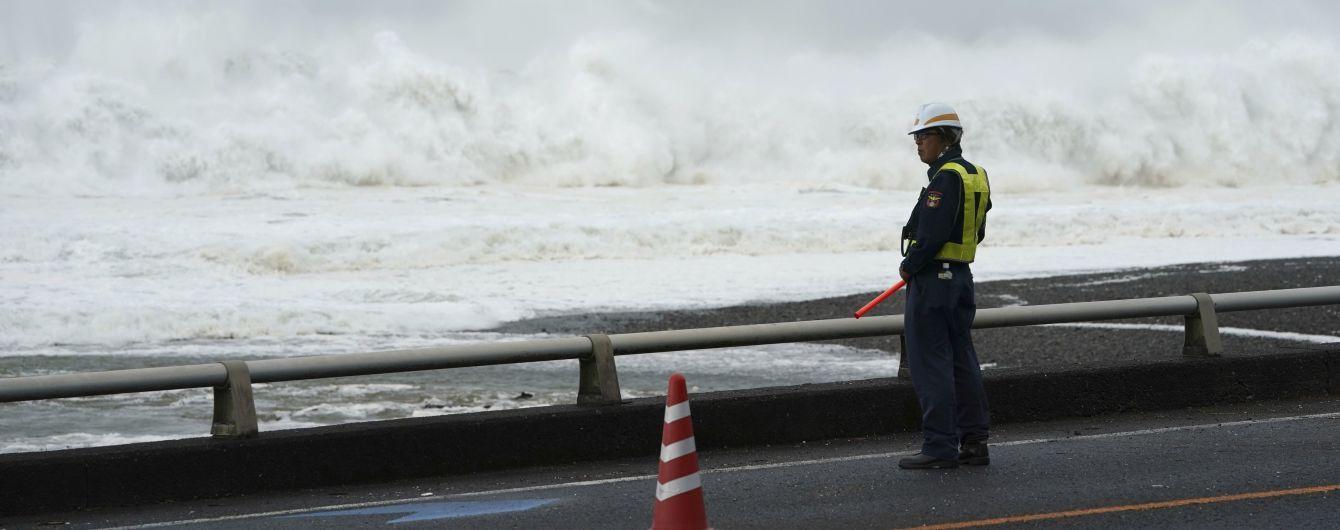 """Япония встретила один из самых мощных тайфунов за 50 лет. """"Хагібіс"""" уже начал забирать жизни людей"""