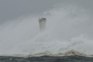 Сильнейший за 60 лет тайфун в Японии нанес миллиардные убытки