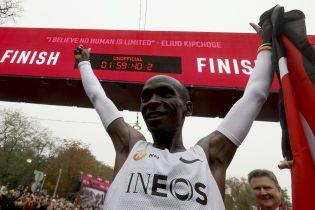 Кенийский бегун установил невероятное достижение в марафоне