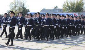 Дві тисячі моряків з оркестром промарширували центральними вулицями Херсона