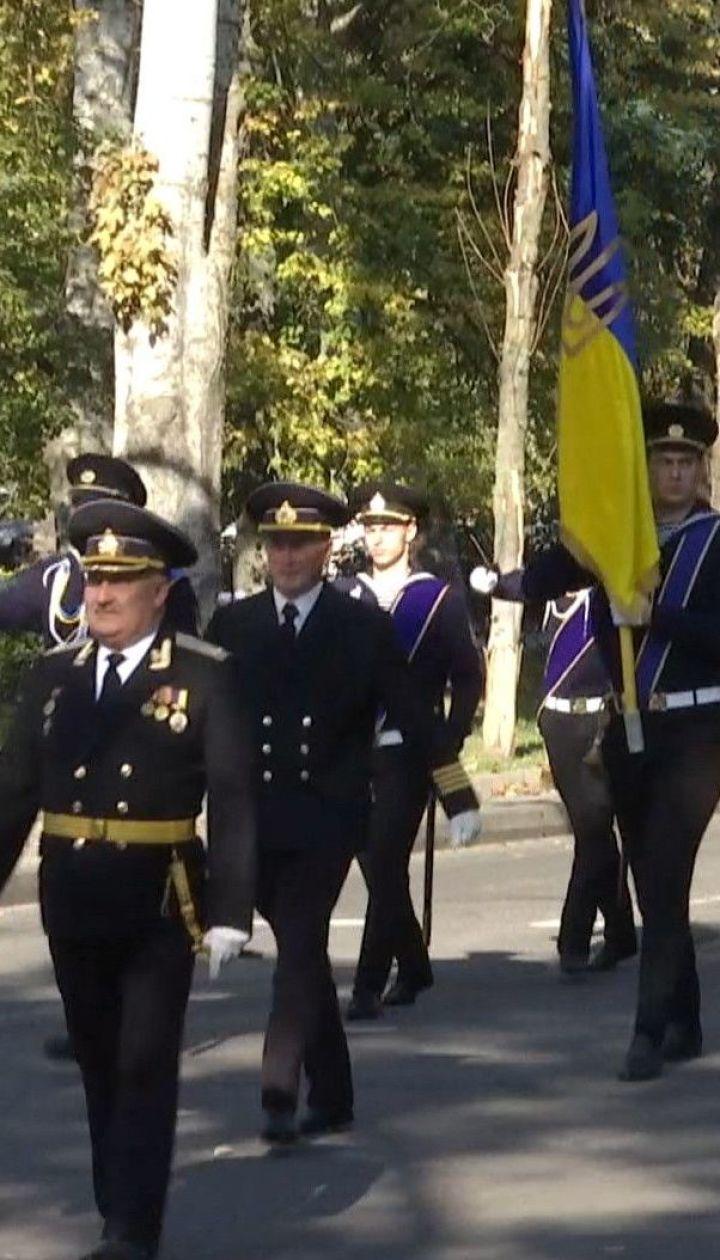 В Херсоне состоялся традиционный марш и присяга моряков