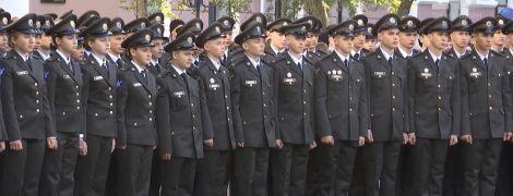 У військовому ліцеї Богуна вперше привели до присяги дівчат