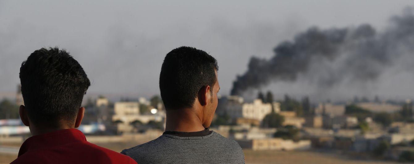 Турция нарушила договоренности с США и возобновила бомбардировки на севере Сирии