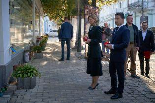 Зеленский с женой почтили память погибших защитников Украины
