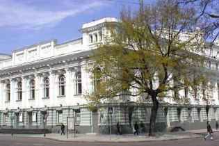 В Одессе ради безопасности закрывают единственный украинский театр, но горожане взялись за спасение