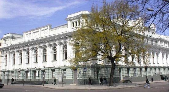 В Одесі задля безпеки закривають єдиний український театр, але містяни взялися за порятунок