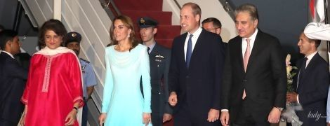 Образ продуман до мелочей: герцогиня Кембриджская с мужем прибыла в Пакистан