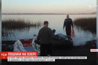 Чиновника луцкого горсовета, который пропал во время рыбалки на Волыни, ищут уже четвертые сутки