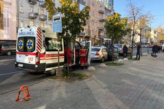 У Києві під час поїздки у таксі помер чоловік