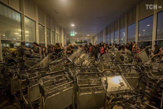 У Барселоні розблокували аеропорт, який був паралізований протестами