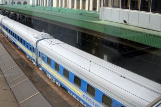 Все – из-за миллиардов. В Мининфраструктуры объяснили, почему не будут закрывать железнодорожное сообщение с Россией