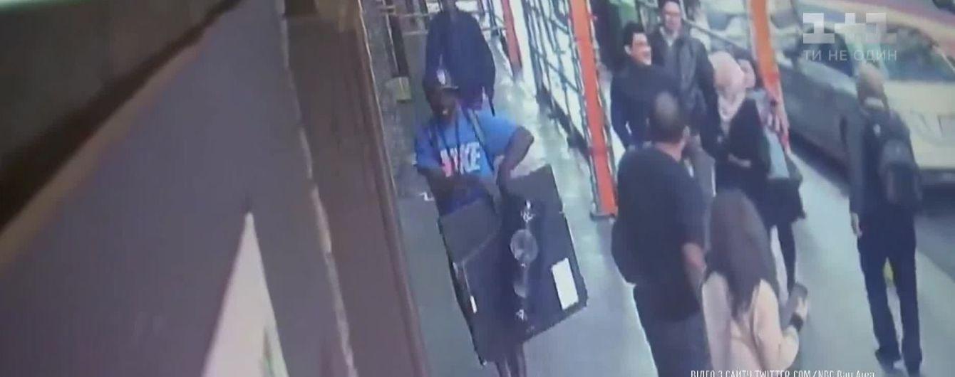 В США мужчина за 32 секунды украл из музея работу Сальвадора Дали