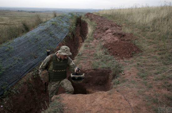 Двоє загиблих та четверо поранених. Бойовики на Донбасі посилили обстріли українських позицій