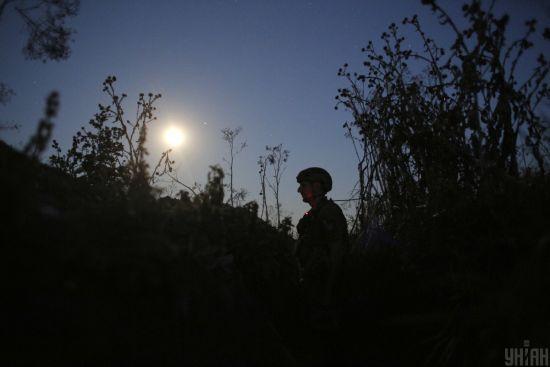 """Ситуація на Донбасі: бойовики 14 разів порушили """"режим тиші"""""""