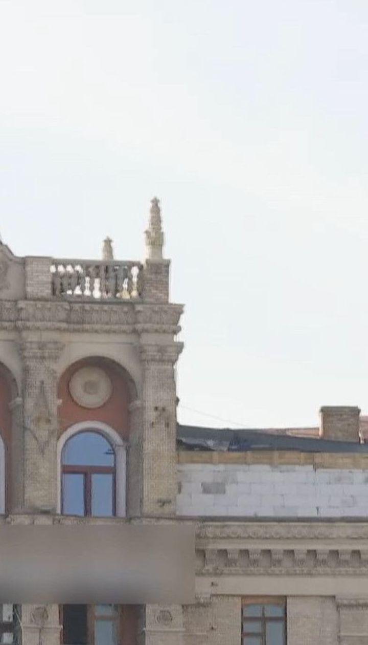 Власниця надбудови на домі у центрі Києва планує зробити таку саму з іншого боку