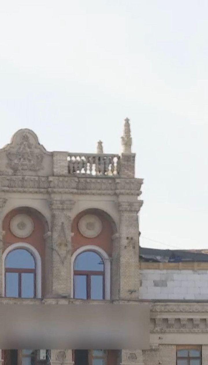 Владелица надстройки на доме в центре Киева планирует сделать такую же с другой стороны