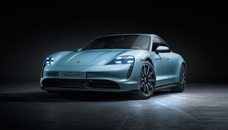З'явилась українська ціна базового Porsche Taycan