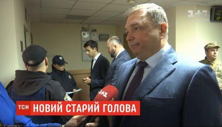 Экс-главу Конституционного суда Шевчука охранники не пустили на работу