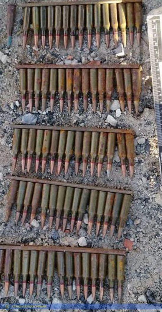 СБУ виявила у Луганській області два арсенали зброї бойовиків