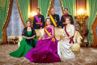 Одна другой краше: королева Матильда в платье цвета фуксии и герцогиня Люксембурга на торжественном приеме