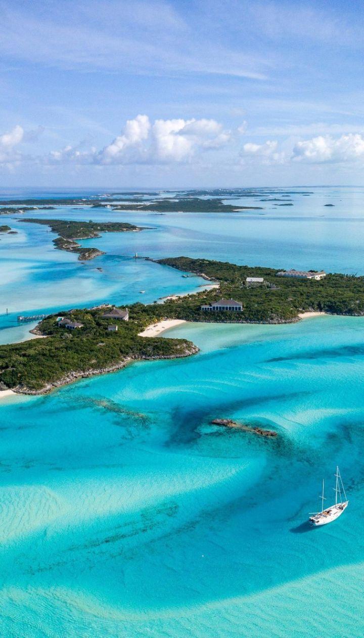 """На Багамах продается остров, где проходили съемки фильмов""""Казино """"Рояль"""" и""""Пираты Карибского моря"""""""