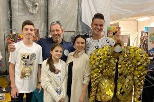 Через месяц после родов Лилия Подкопаева с семьей вышла в свет