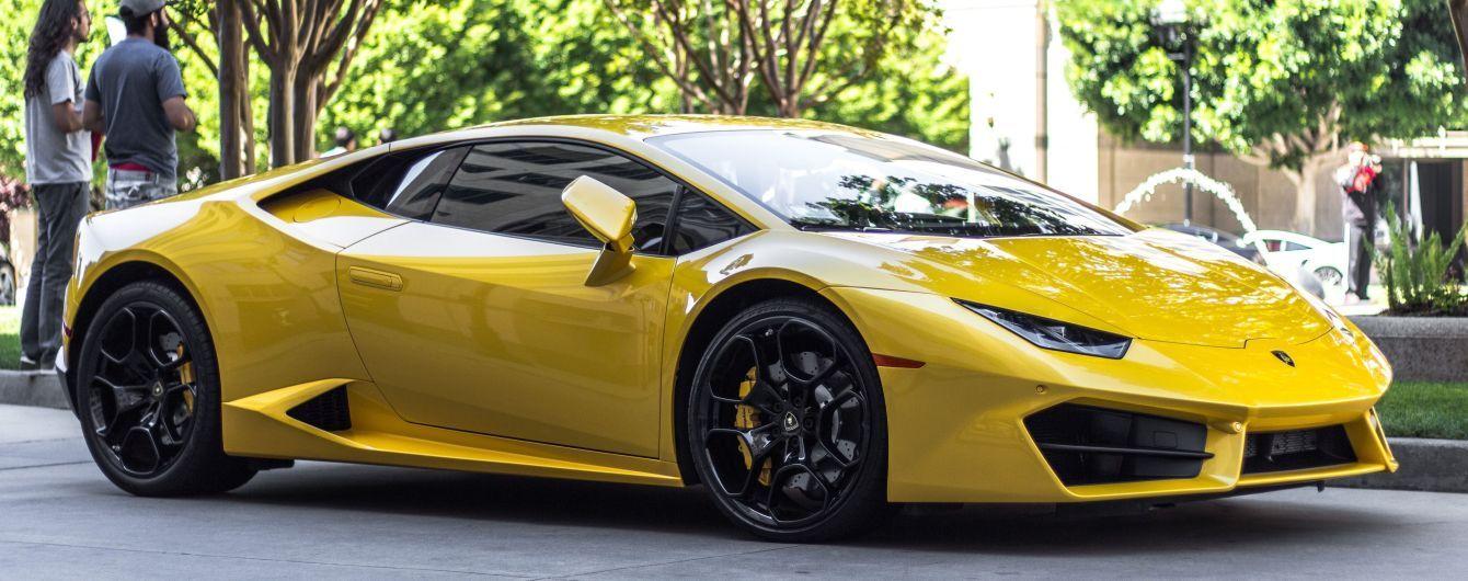 Австралийский подросток украл машину и врезался на ней в Lamborghini