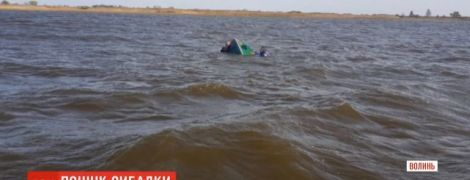 На Волыни в озере нашли тело местного чиновника, которого искали пять дней