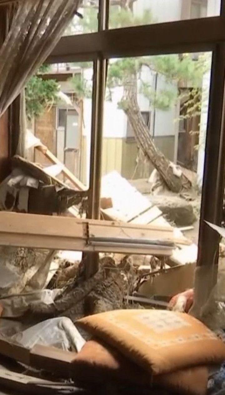 """Японские спасатели круглосуточно работают, чтобы ликвидировать последствия тайфуна """"Хагибис"""""""
