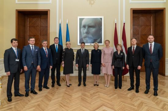 Зеленський обговорив зі спікеркою латвійського Сейму співпрацю між парламентами двох країн