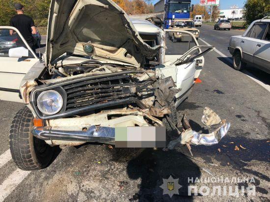 """В Одесі сталася смертельна ДТП: """"Волга"""" не пропустила автобус"""