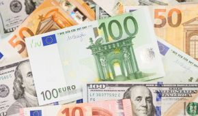 Курс валют на 19 апреля: сколько стоят доллар и евро