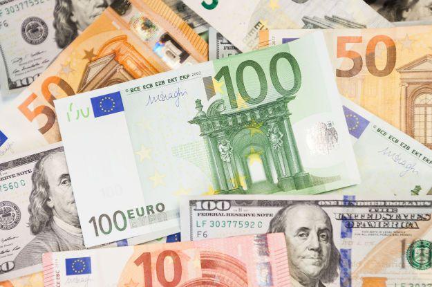 Курс валют на 26 апреля: сколько стоят доллар и евро