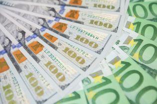 Валюта дорожает. Котировки доллара впервые с сентября перевалили за 25 гривен
