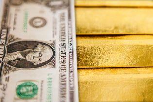 За год Нацбанк купил на межбанке почти 8,5 миллиарда долларов