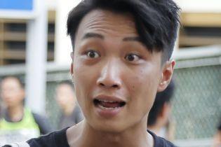 Лидера протестов в Гонконге жестоко избили молотками