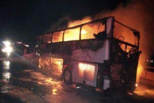 В Саудовской Аравии автобус с паломниками влетел в фуру. Погибли 35 человек