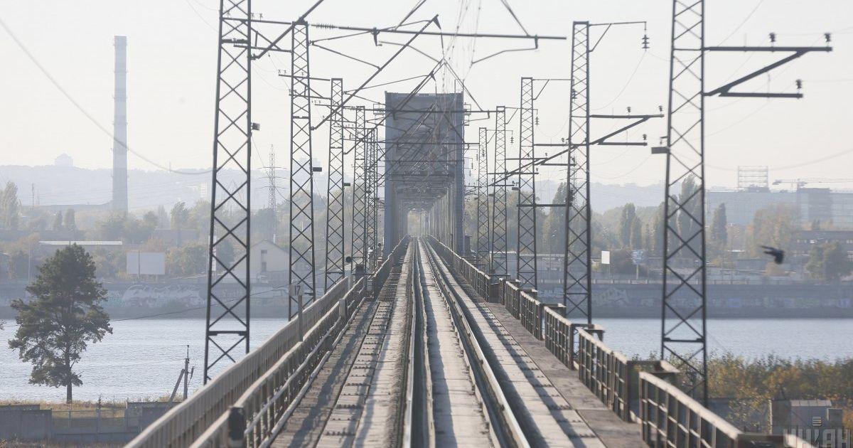 Росія прагне повернути контроль над українською залізницею — політолог