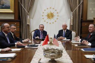 США уговорили Турцию на пять дней приостановить военные действия в Сирии