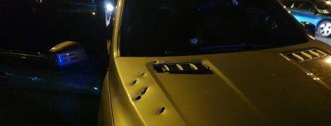 В Днепре киллер расстрелял внедорожник Mercedes с 27-летним водителем
