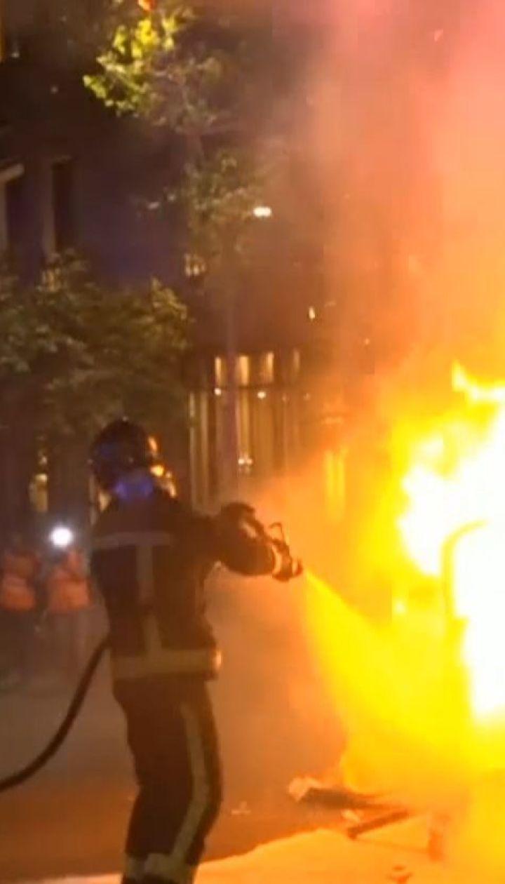Горячая ночь в Барселоне: активисты перекрыли несколько улиц и жгли мусорные баки