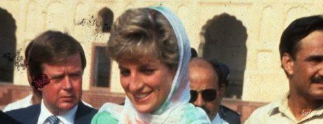 Чей образ красивее: герцогиня Кембриджская и принцесса Диана во время посещения мечети в Лахоре