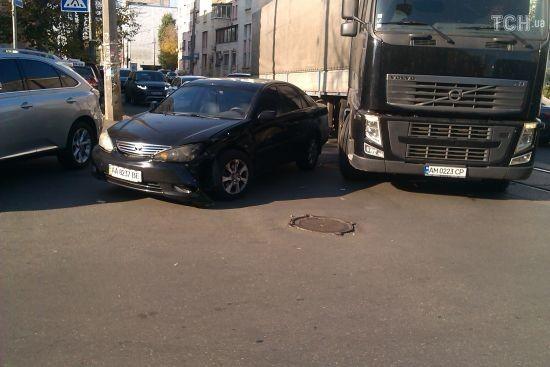 Аварія на Подолі у Києві заблокувала рух трамваїв