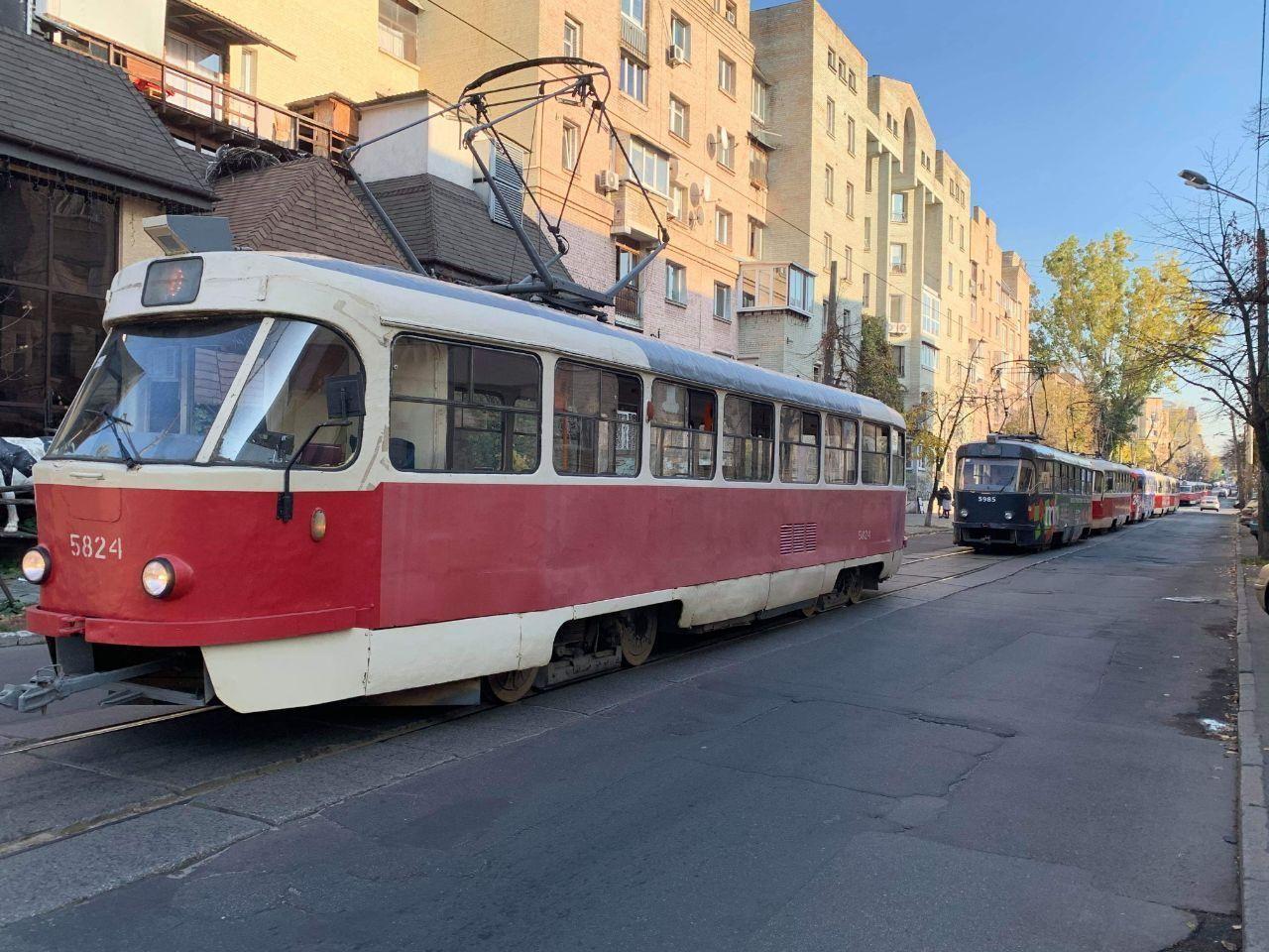 затор трамваїв