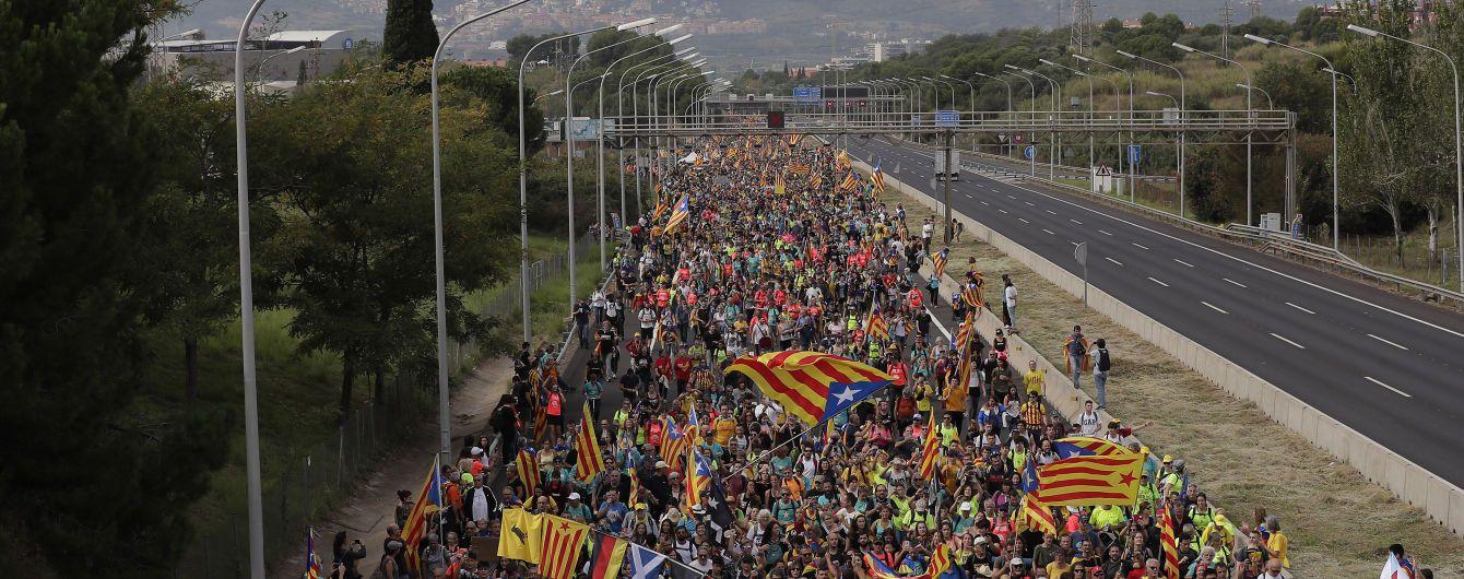 Протесты в Барселоне. В Каталонии объявили всеобщую забастовку, а Пучдемон сдался прокуратуре