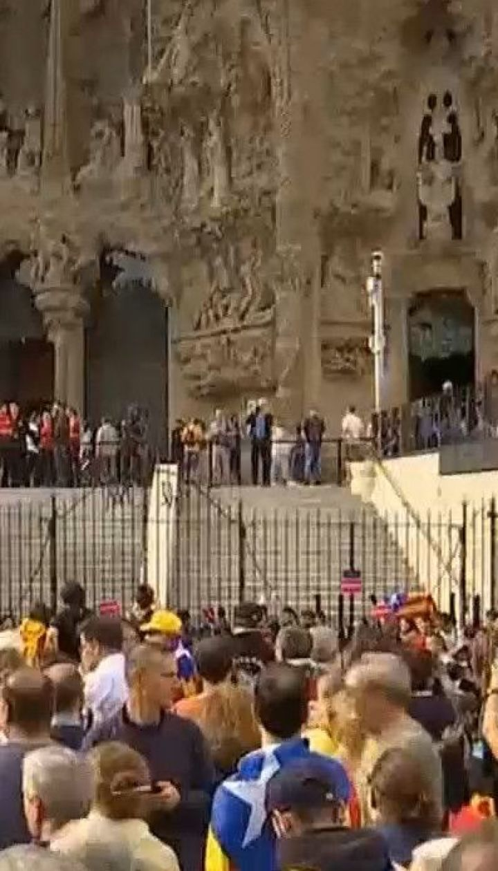 В Барселоне пятый день не утихают протесты: задержаны 100 человек