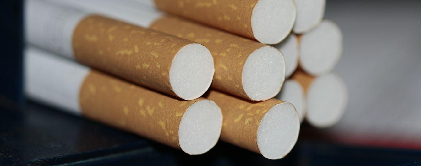 В Бельгии все сигареты начали продавать в одинаковых пачках