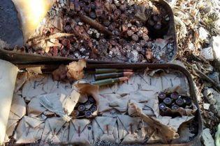 На Донетчине крестьянин нашел цинковые ящики с боеприпасами